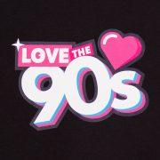 Camiseta Love the 90s Logo negra detalle frontal
