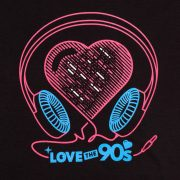 Camiseta Love the 90s Music negra detalle frontal